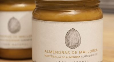 crema creme de ametlla almonds mandeln almendras souvenir traditional artisan withlove mediterranean mallorca small handmade nachhaltig holiday geheimtipp alternative fairtrade secret local majorca homeaway handcraft foodies goodies healthyfood vegan butter
