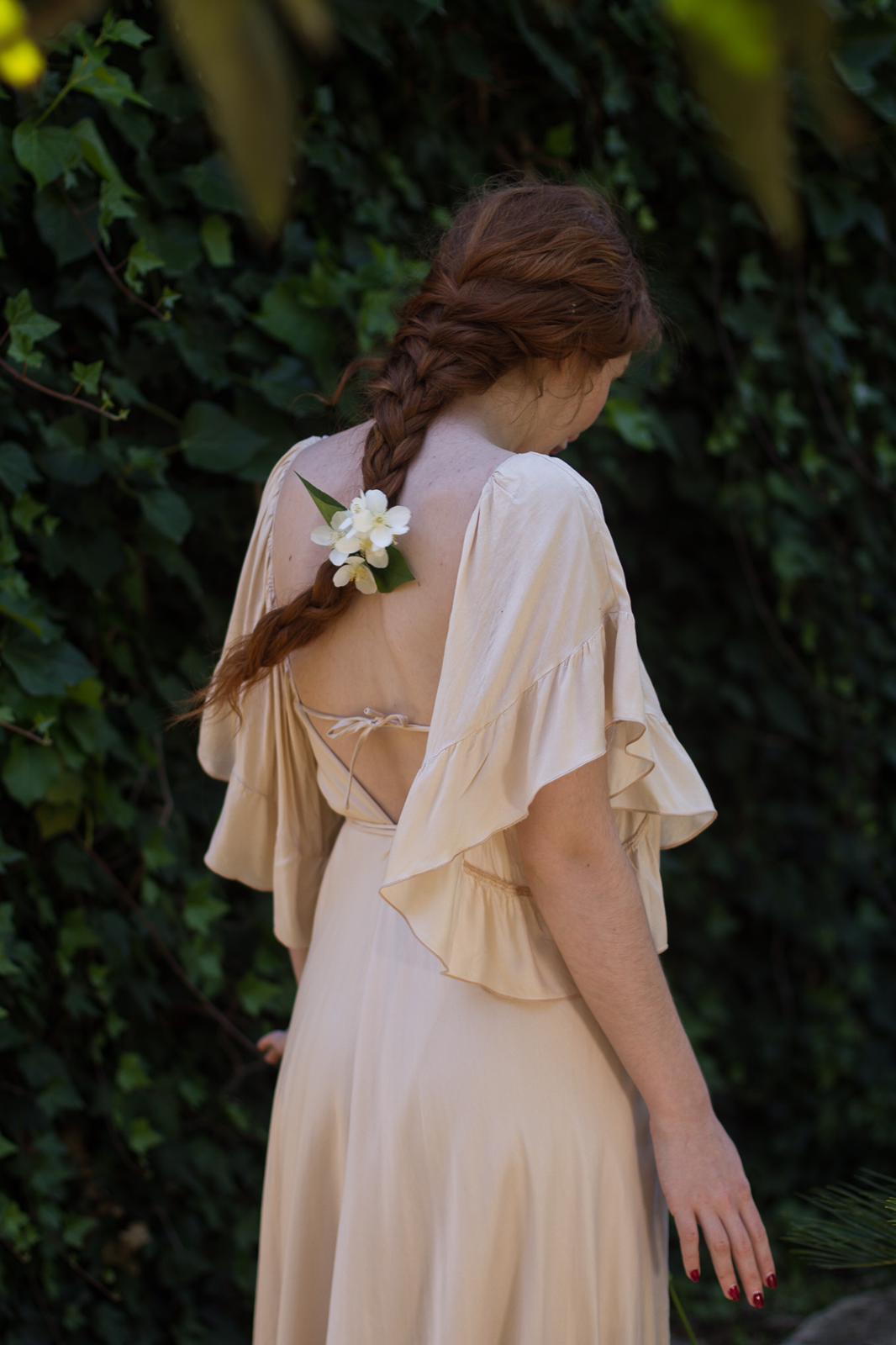 carolina.albertoni.mallorca.handmade.dresses.soft.sensual.feminity.designer.elegant