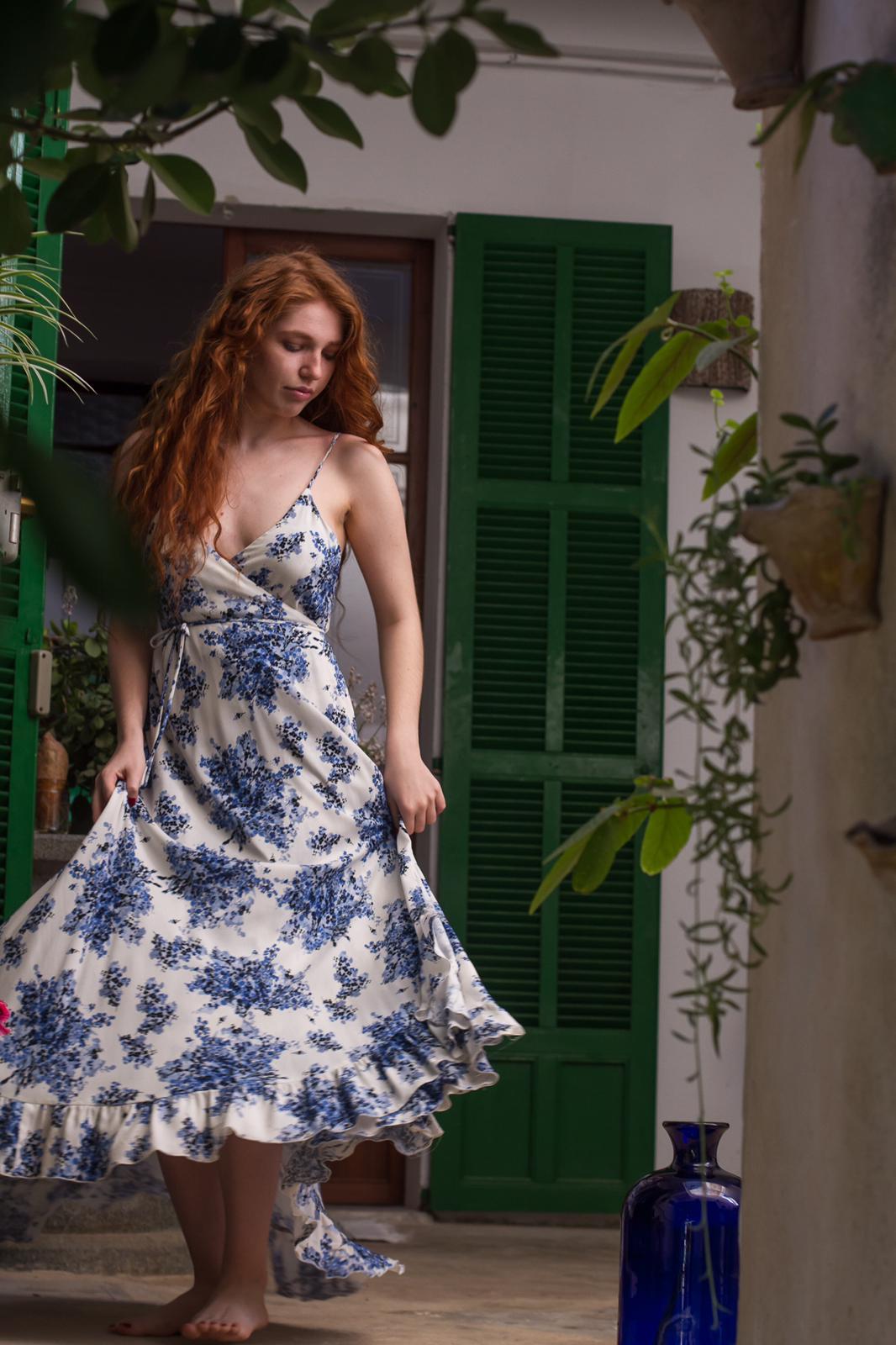 carolina.albertoni.mallorca.handmade.dresses.soft.sensual.feminity.designer.feminine