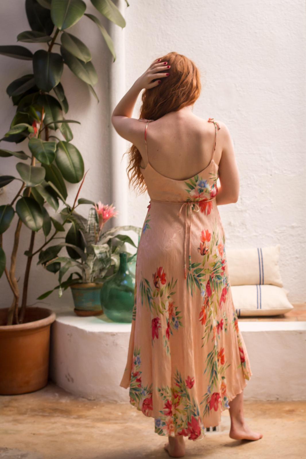 carolina.albertoni.mallorca.handmade.dresses.soft.sensual.feminity.designer.nature