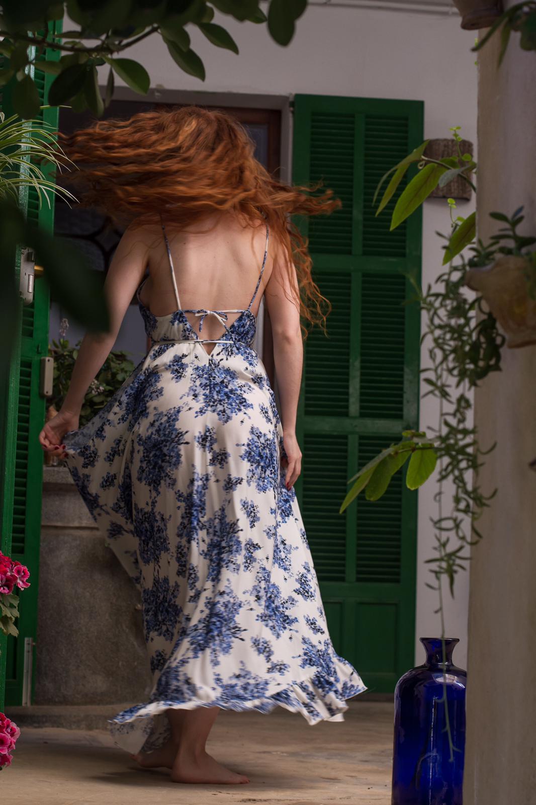 carolina.albertoni.mallorca.handmade.dresses.soft.sensual.feminity.designer.women