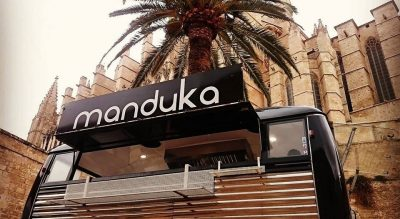 manduka streetfood tastelocal lecker palma palmtree nomnom foodtruck caravan burger explore blackangus vegetarian pulledpork smoked fresh eating chef mediterranean mallorca small handmade restaurant nachhaltig holiday geheimtipp alternative fairtrade secret local majorca sustainable cuisine foodie food essen lunch dinner withlove healthy fastfood slowfood