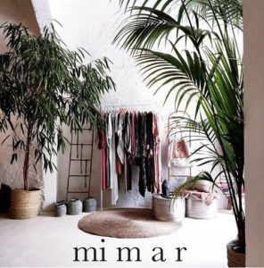 mimar kiki plants palms conceptstore dreamcatcher stylist surf lifestyle boho hippie bohemian natural simple relaxed fashion santanyi baskets dutch brands beachbag fashiondesigner accessoires shoes bags totes pillows handmade fairtrade local sustainable beach house style interior decoration homefeeling finca casa einrichtung shop tipps inneneinrichtung dekoration deco interiordesign mallorca shop decoration handcrafted design fairtrade souvenir cala mallorca holiday sea