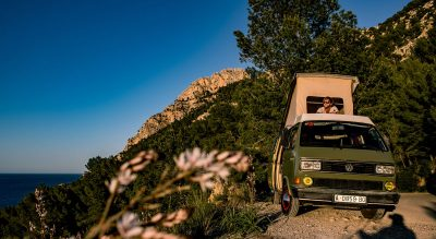 lazy bus vw volkswagen camper exclusive luxury camping holiday glamping seaview events special garden nature pure calmness hidden escapes secret spots tipps authentic urlaub olivar getaway home private sea