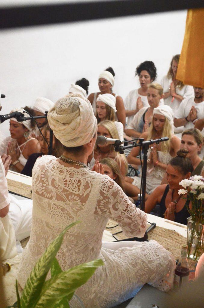 kundalini yoga studio palma de mallorca guru jagat boutique cafe festival plaza white tantra lectures meditation