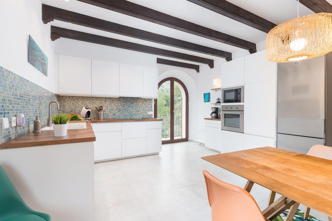 Kitchen/Dining area holiday appartment Cala Tuent, Mallorca