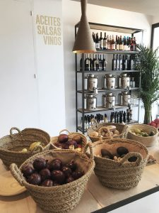palma shop cafe palma sta catalina vegan groceries zerowaste mallorca plasticfree granel unverpackt nu market organic ecological store lily sielaff