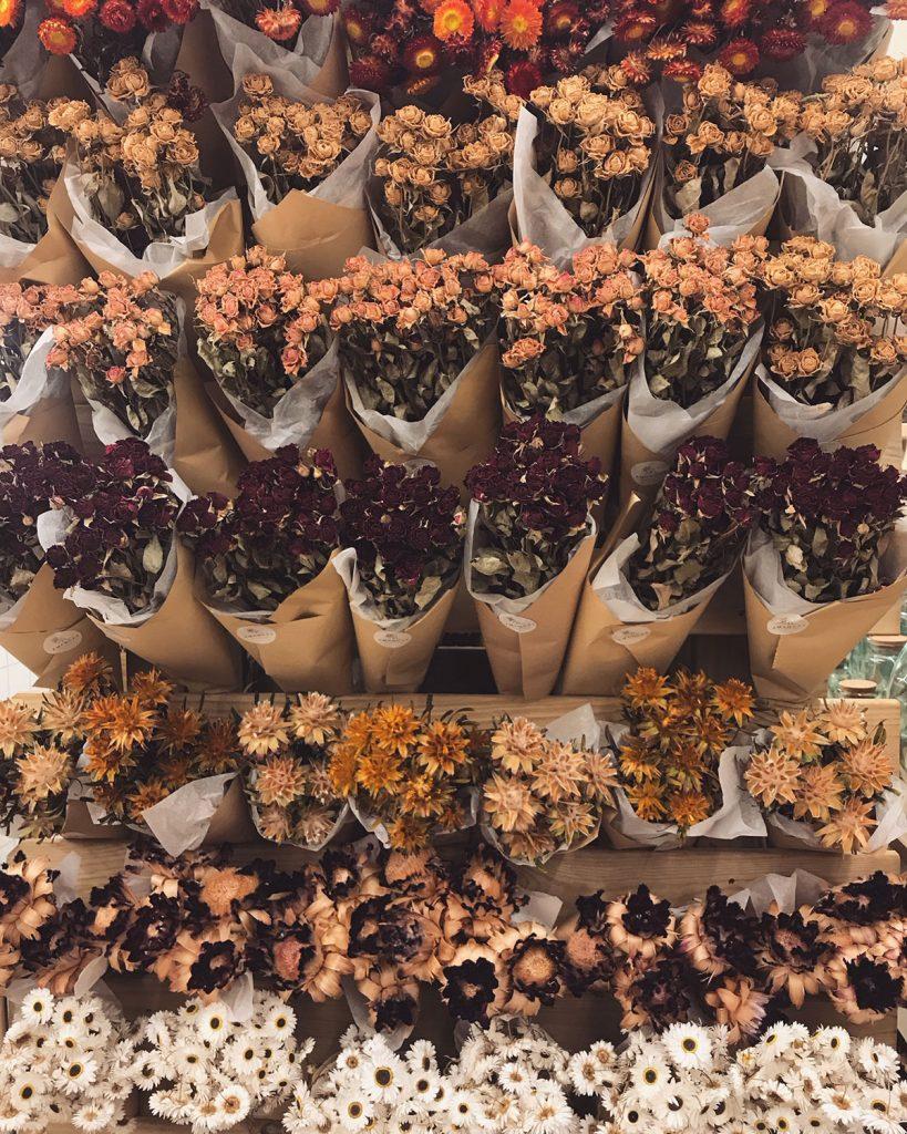 amancay floral design interior shop laden palma mallorca rural hands flowers nachhaltig selbstgemacht liebe details handarbeit lokal artesanos trockenblumen nachhaltig