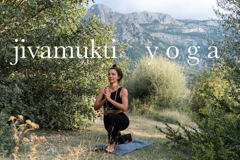 Yogaunterricht Mallorca: Privatstunden und im Studio  – Jivamukti Yoga mit Lily