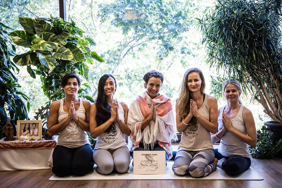 jivamukti yoga mallorca barcelona lily sielaff vinyasa flow private classes olga oskorbina teacher training