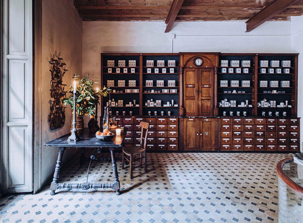 vintage.souvenir.duft.geheimtipp.laden.beautiful.beauty.arquinisia.shop.palma.mallorca.perfume.natural.boutique.special.mallorcalma
