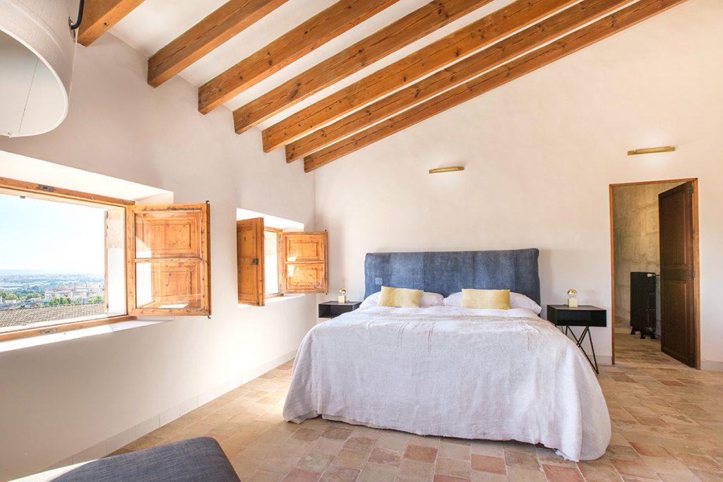 hotelito.cozy.maison.dux.hotel.homestay.mallorca.casa.luxus.espanyolet.washed.linen.bedroom.retreats