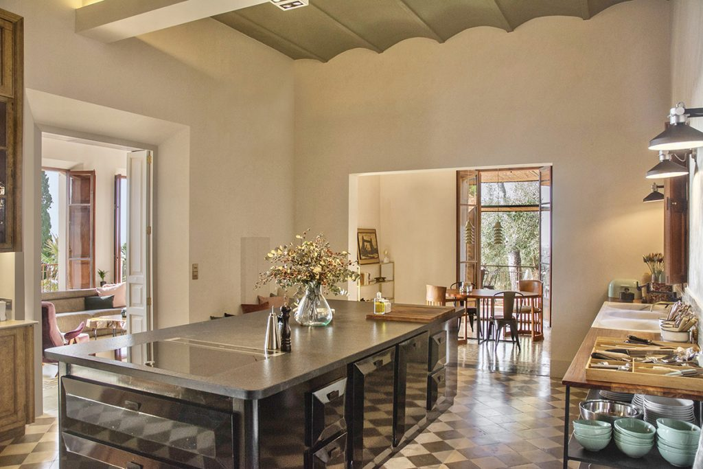 hotelito.cozy.maison.dux.hotel.homestay.mallorca.casa.luxus.finca.kitchen.private.chef.vip.retreats.jpeg