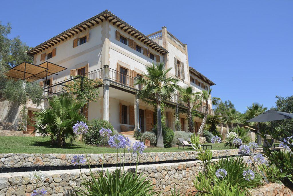 hotelito.cozy.maison.dux.hotel.homestay.mallorca.casa.luxus.finca.summer.sun.pool.retreats.garden.terrace.sunny