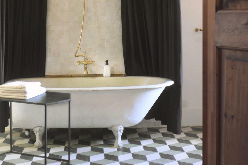 maison.dux.hotel.homestaz.mallorca.casa.luxus.bathtub