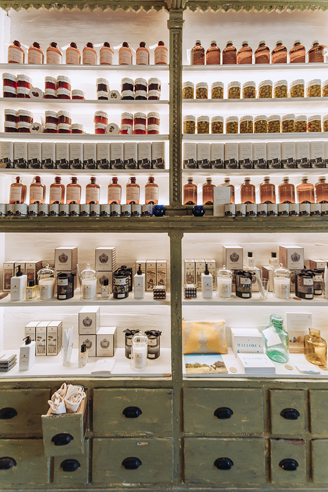 son.moragues.gin.ginebra.experience.tasting.shops.mallorca-artesanal.casita.olivar.tienda.valldemossa