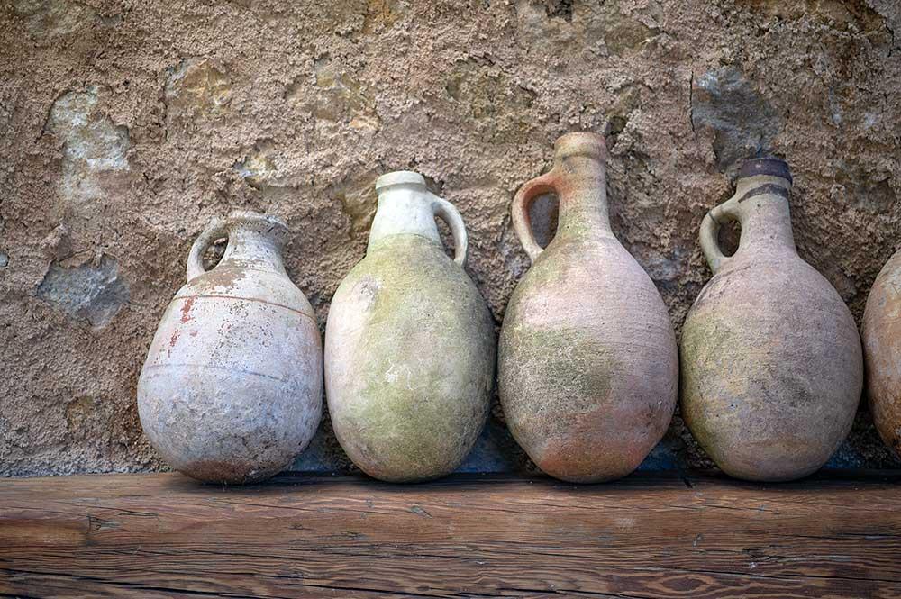 es.raco.de.arta.yoga.retreat.mallorca.healthy.sustainable.holiday.art.artist.artists.artisan.ceramics.finca.small.unique.art.hotel.ceramics.antiques