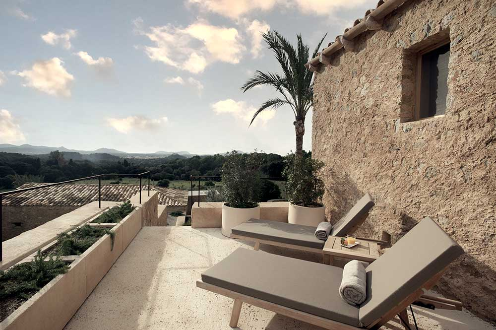 es.raco.de.arta.yoga.retreat.mallorca.healthy.sustainable.holiday.terrace.view.calma