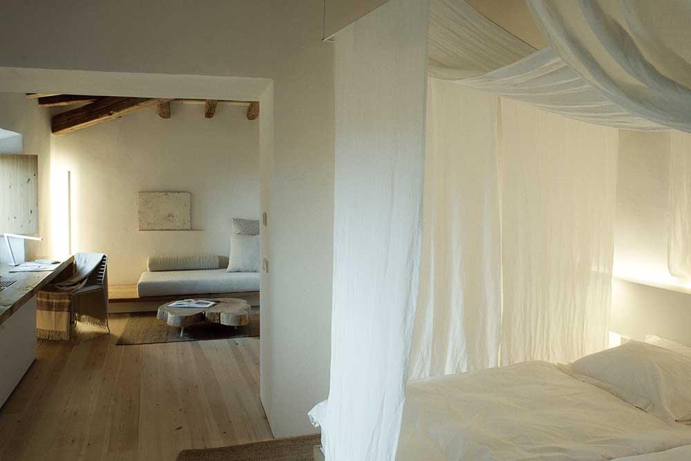 es.raco.de.arta.yoga.retreat.mallorca.healthy.sustainable.holiday.warm.interior.cozy.nesting