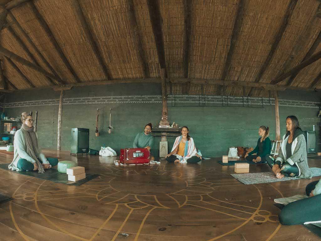 jivamukti.yoga.mallorca.juan.sierra.lily.sielaff.mallorcalma.retiro.retreat.finca.osa.major.ahimsa.bhakti