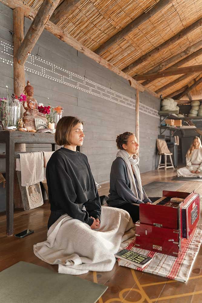 jivamukti.yoga.retreat.rebeca.recatero.mallorca.mallorcalma.lily.sielaff.meditation