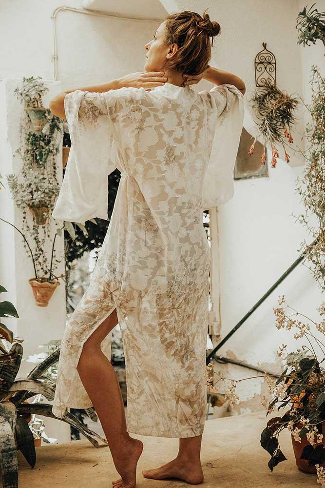 olga.poppius.carolina.albertoni.mallorcalma.lily.sielaff.dresses.mallorca.mornings.gown