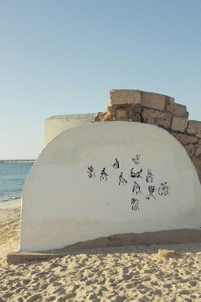 art.mallorca.artist.anna.alexandra.painter.ceramic.mask.mallorcalma.lily.sielaff.creative.creativity.sand.sea.beach